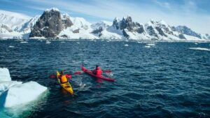 Kayaking The Extreme Sports Wall Mural